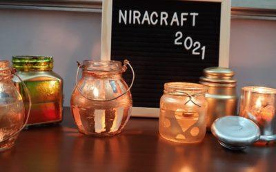 Así de rápido recicla tus frascos de vidrio y conviértelos en veladoras de oro, plata y bronce.